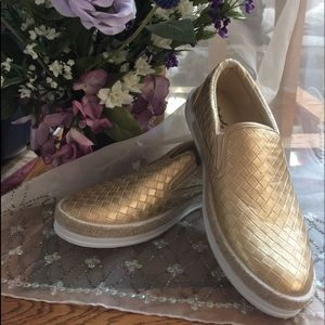 NBW Qupid Gold sneaker/loafer SZ 10